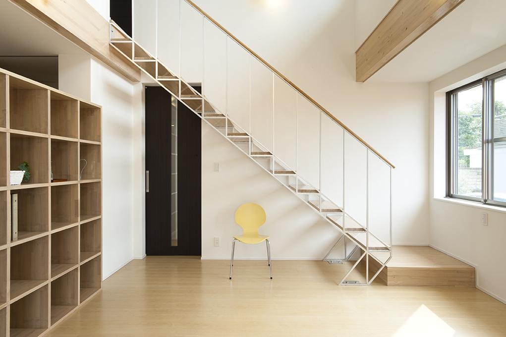 家づくりのアイデア・デザイン(ストリップ階段)